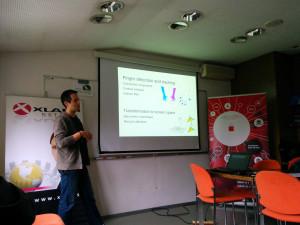 Luka Čehovin presenting @ HCI-IS 2014